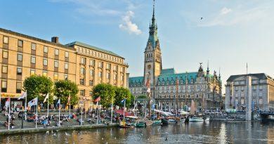 Stadtrundfahrt in Hamburg mit dem Reisebus