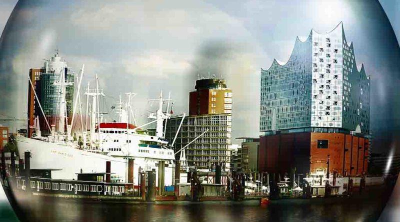 Stadtführung Hamburg entlang Elbe mit Elbphilharmonie, Cap San Diego, Sportboothafen, Hanseatic Trade Center, Hafenrand