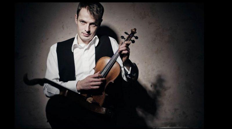 Chris Drave mit Geige