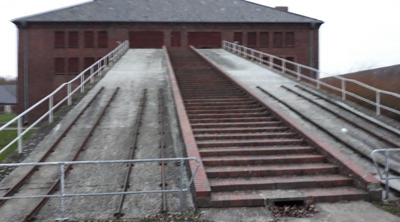 KZ-Gedenkstätte Neuengamme Klinkerwe mit Rampe